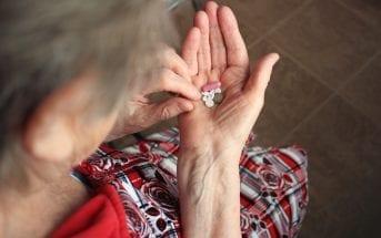 acao-em-farmacias-ajudara-idosos-a-organizar-rotina-de-medicamentos