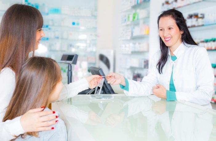 orientar-quem-precisa-papel-do-farmacêutico-durante-pandemia-e-fundamental