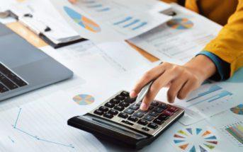 comportamento-financeiro-tem-dinheiro-em-cima-da-mesa