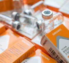 Especialistas da OMS recomendam 3ª dose de vacina da Covid-19 para idosos que receberam CoronaVac e imunossuprimidos
